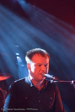 Edwyn Collins performing in concert