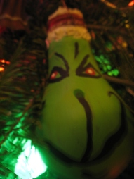 Dead Lightbulb Grinch